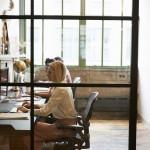 Jak prawidłowo zaprojektować oświetlenie LED w biurze?